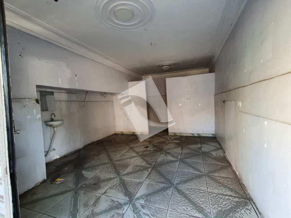 Loja para alugar Rua Expedicionário Aquino de Araújo,Engenho do Porto, Duque de Caxias - R$ 700 - 048 - 4